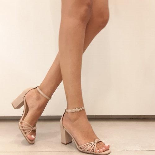 Sandália Salto Grosso Couro Nude